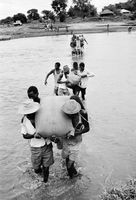 Food aid, Mozambique, 1968