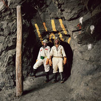Mine workers in strata control area, Eastern Platinum Mine, Lonmin, Marikana, South Africa