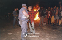 Gangsters confront policeman, Cape Town