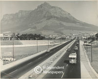 Settlers Way, Devil's Peak in background, Cape Town