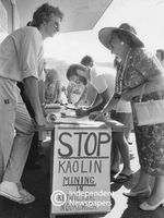 Signing petition against proposed kaolin mine, Cape Town
