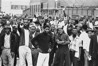 'The big five'--  striking workers at the Consolidated Textile Mill, Jacobs, demand an extra R5, February 1973