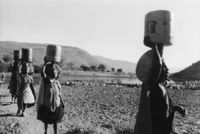 Carrying water, Msinga, KwaZulu-Natal