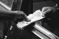 Black market currency exchange, Angola