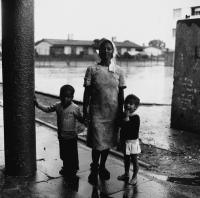 Mother and children, Kewtown, South Africa, 1979