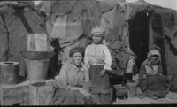 /kham Bushmen family Prieska. Rachel, Lena, Janiki