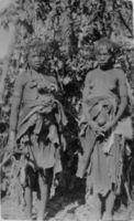 Angola !kung at Kamundonga's village Kunzumbia mother and daughter
