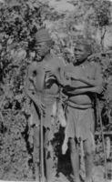 Angola !kung at Kamundonga's village, Kunzumbia, 2 cousins?